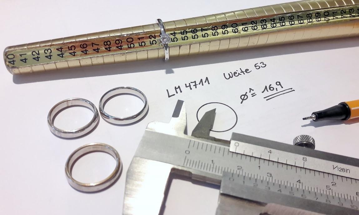 Die Ringgröße heimlich messen mit Hilfsmitteln