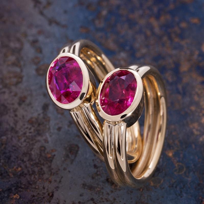 Trauringe mit Rubin vom Juwelier am Neumarkt in Köln