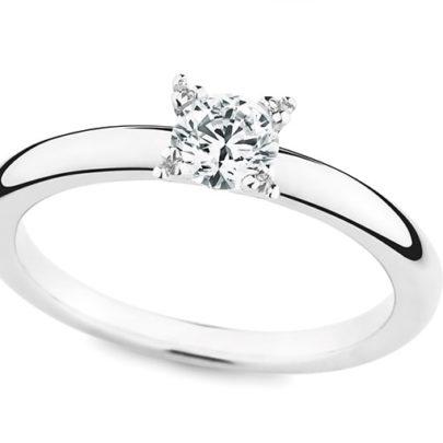 Verlobungsring mit Diamant von Juwelier Mommen in Köln